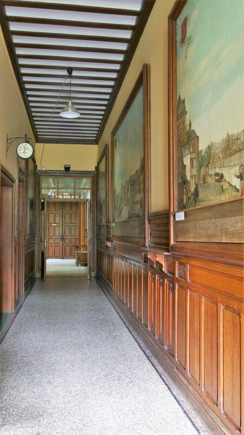 Les tableaux du hall principal - ville de Liège au XVIIIieme siecle