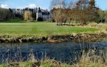 La rivière Berwinne, dans le parc du château